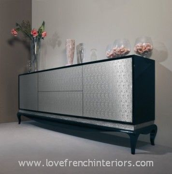 sideboard with 2 doors and 2 drawers